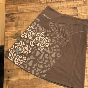 Life is good skirt size Small